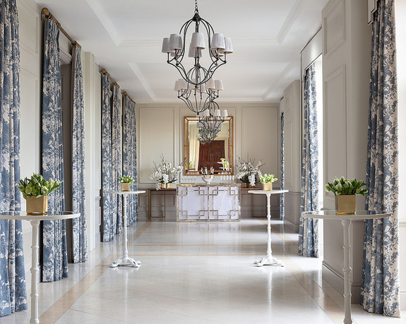 Drinks reception at Four seasons Hotel Hampshire, photography by Richard Waite