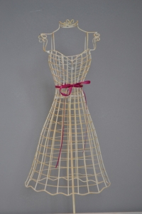 Cream Wire Vintage Mannequin