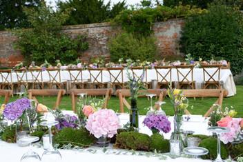 Alfresco dinner - Four Seasons Hampshire