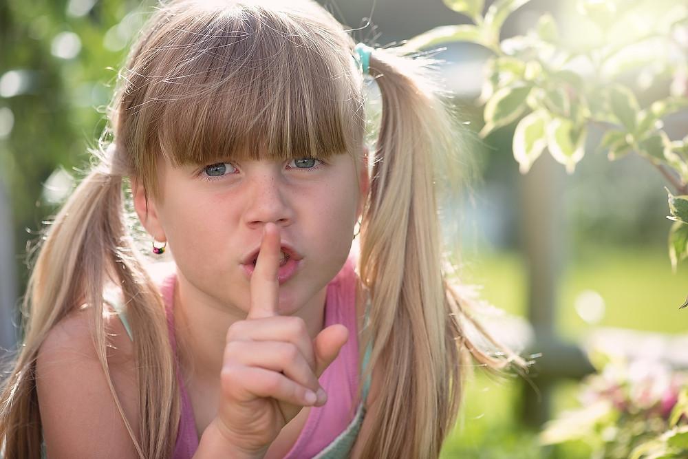 a criança e a educação silenciosa montessori