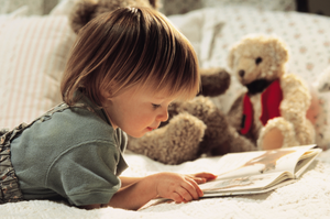 leitura criança montessori