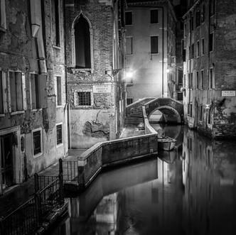 """Venice Solitude"" by Hugh Rooney (17 marks)"