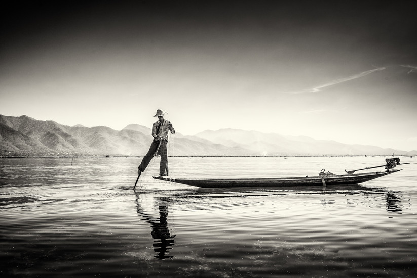MONO - Fishing on Inle by Tom Fairley (13 marks)