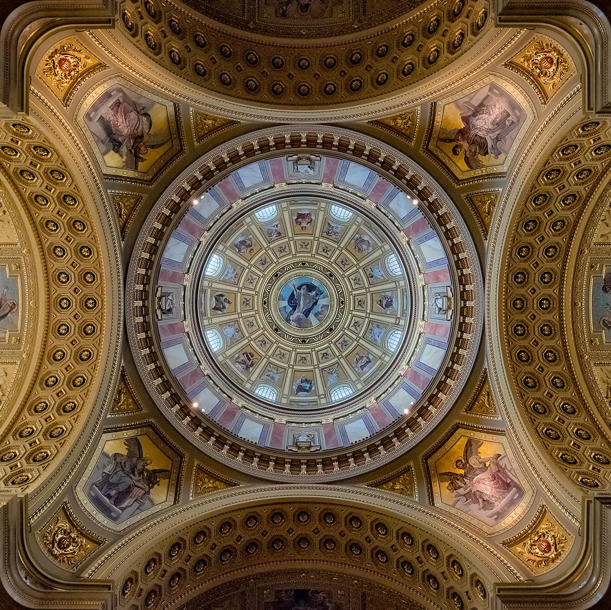 PDI - Szentlstvan Bazilika by Brian Maguire (10 marks)