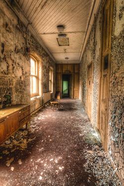 19_1314R3_108 C_FCC_3_Green Room Exit_Lee McKinney.jpg