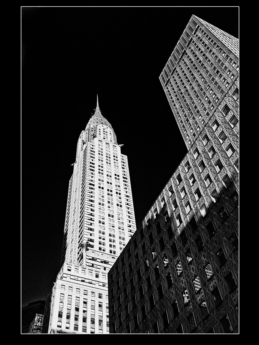 MONO - Chrysler by Brian Hennessy (10 marks)