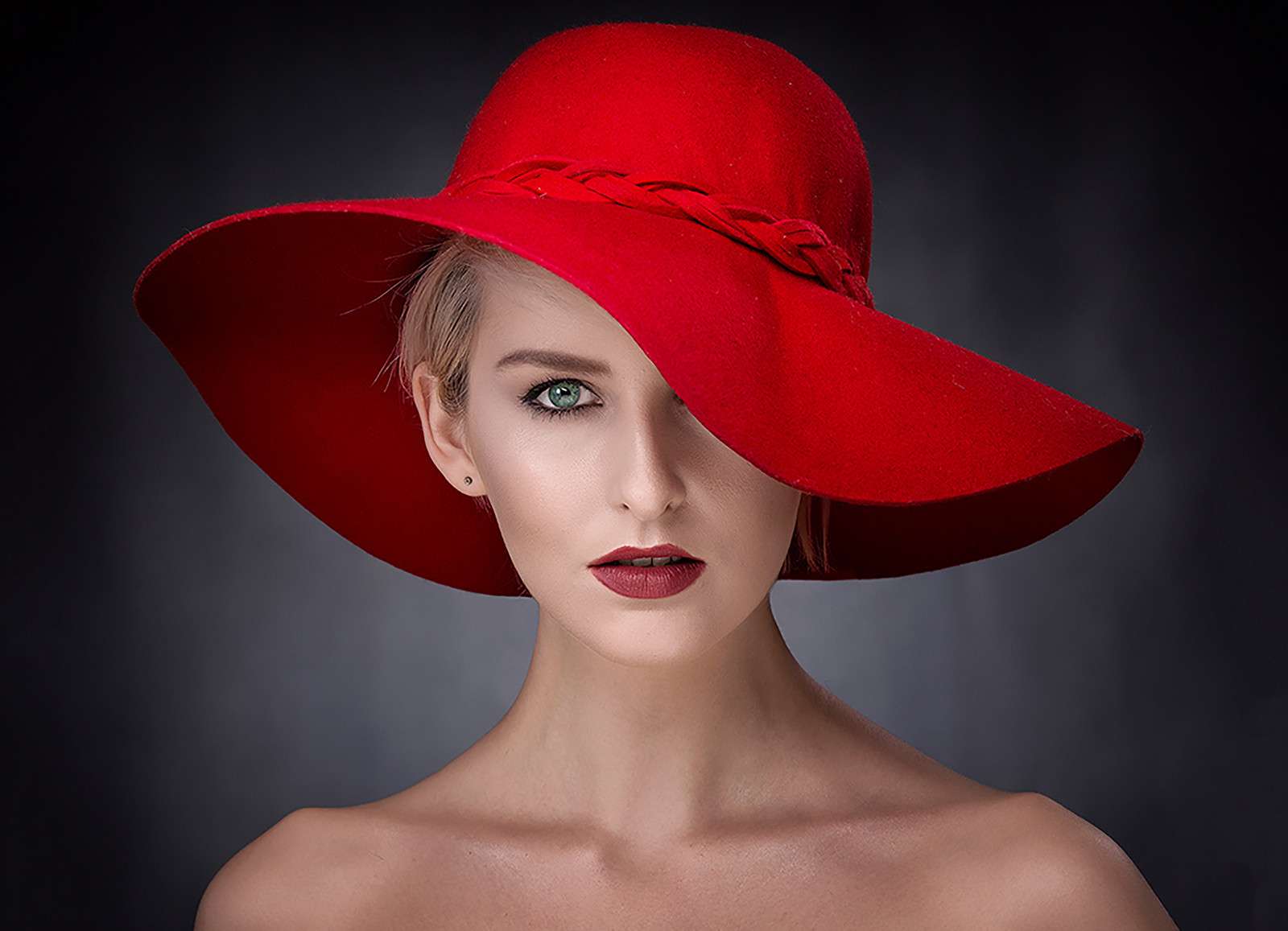 COLOUR - The Red Hat by Ross McKelvey (20 marks)