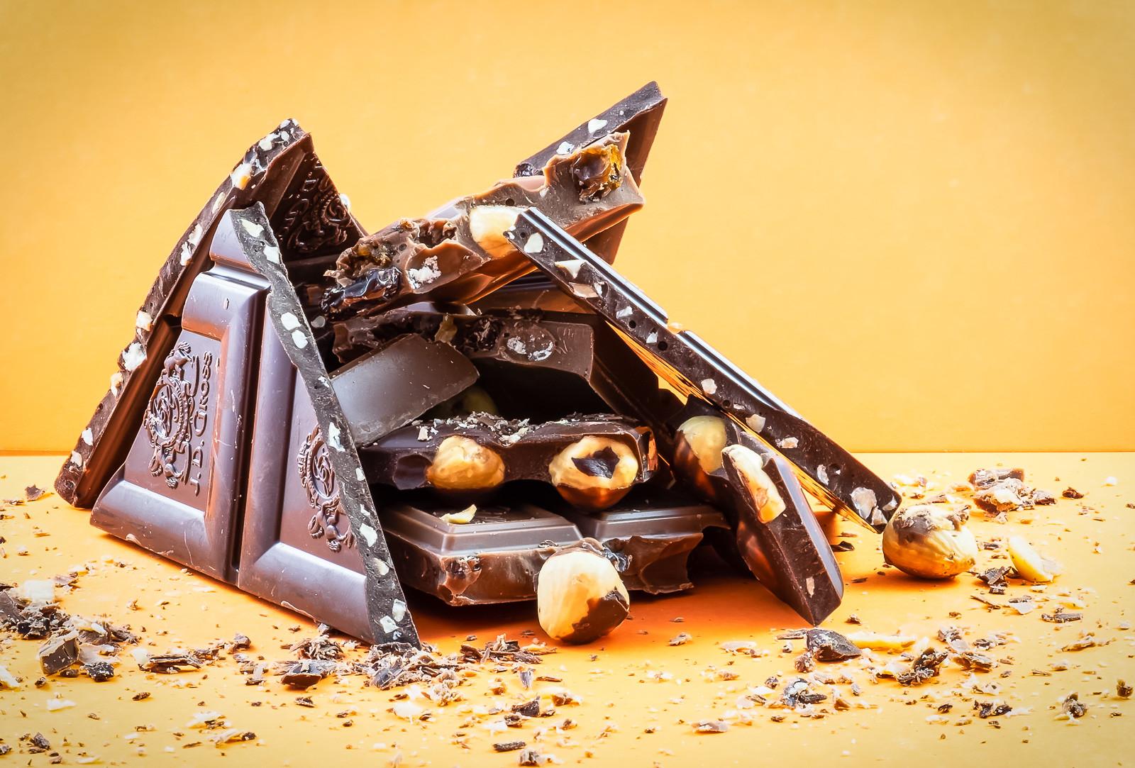 PDI - Chocolat - Joanne Harris by Pauline McAleese (13 marks)
