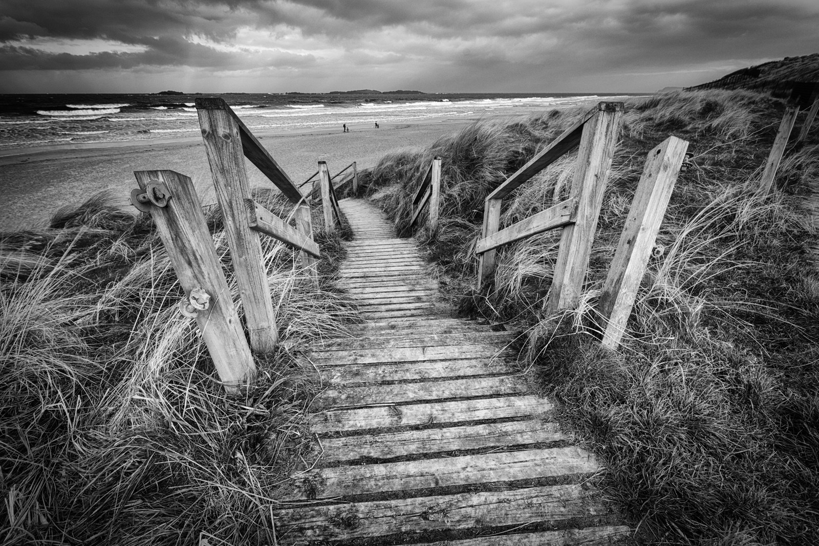 MONO - East Strand by Nigel Bell (10 marks)