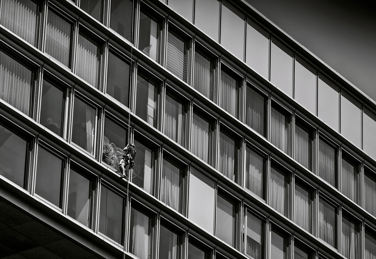 MONO - When Im Cleaning Windows - George Formby by Mark Davison (10 marks)