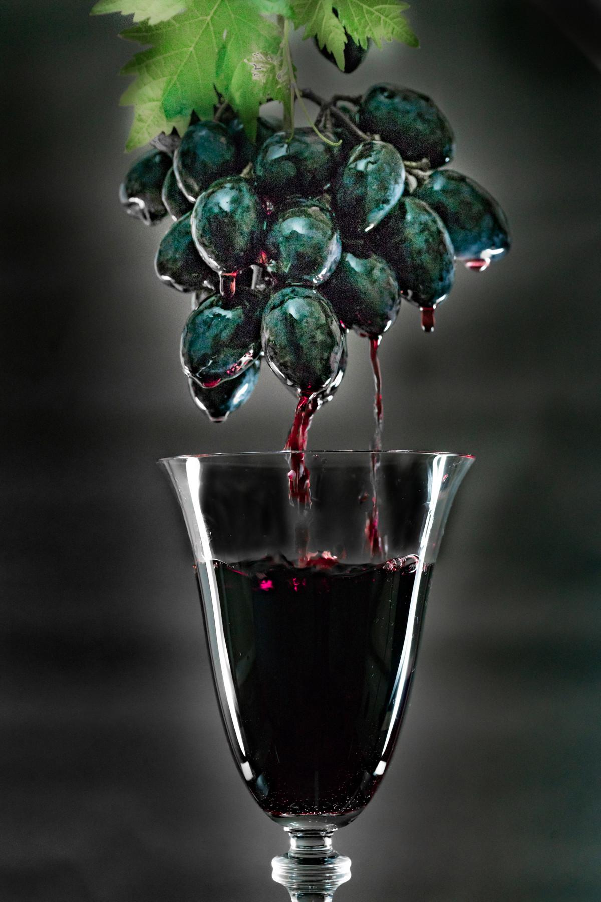 PDI - The Life of Wine by John Creggan (10 marks)