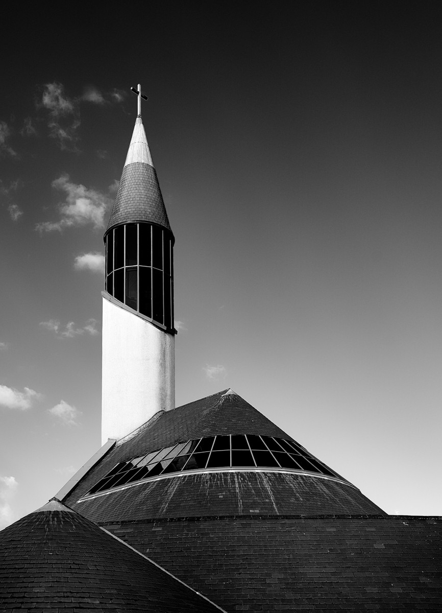 MONO - The Rocket Church by Damian McDonald (9 marks)