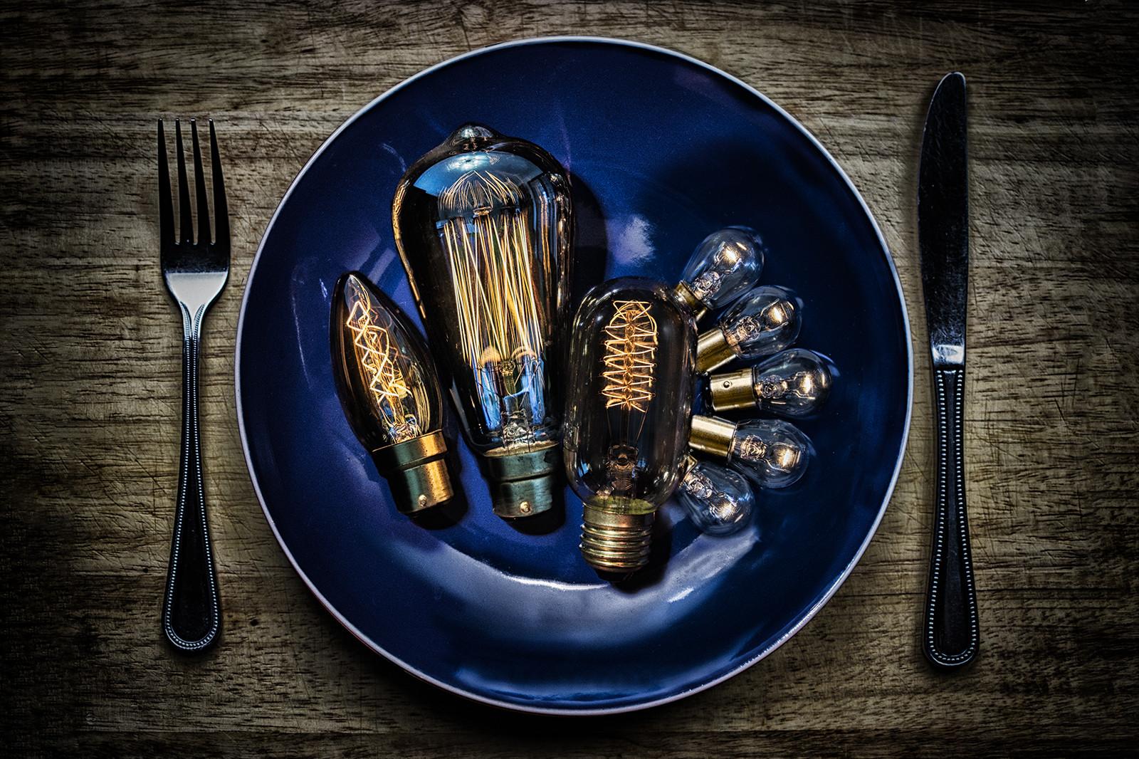 COLOUR - A Light Lunch by Steve Stewart (9 marks)