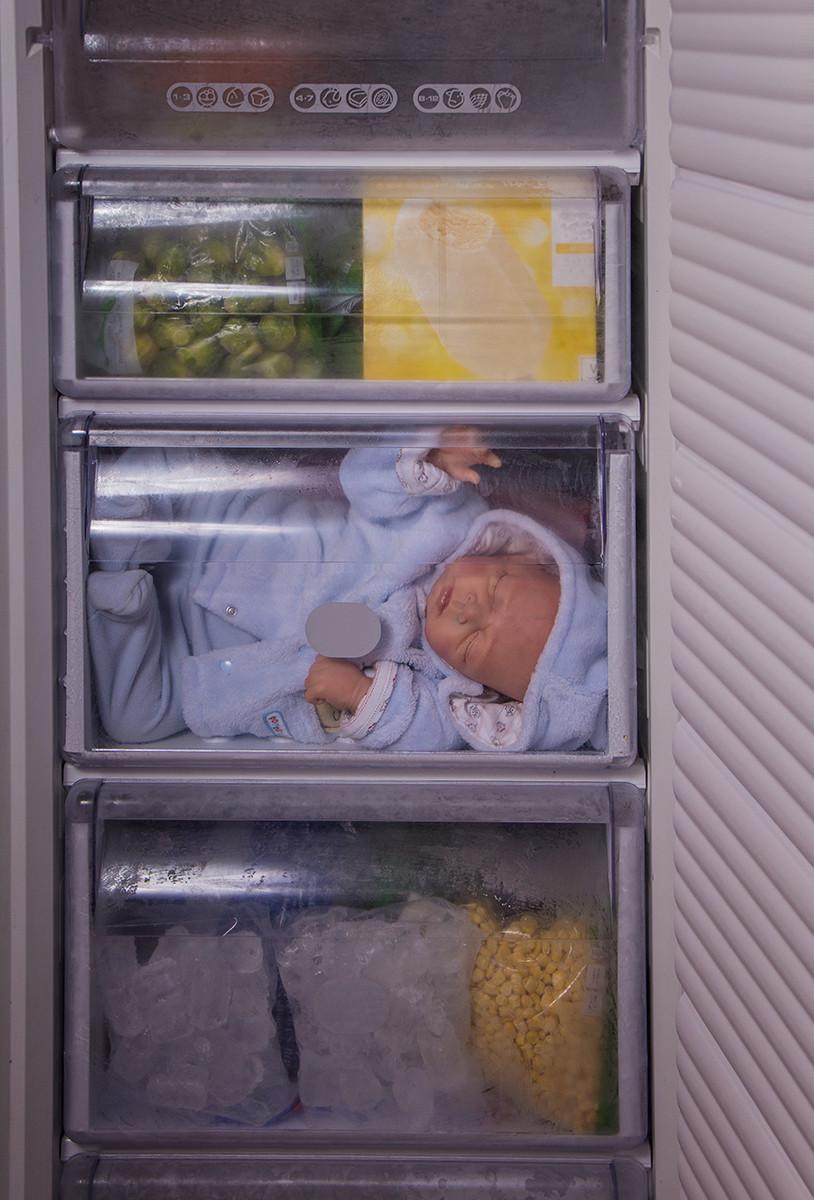 COLOUR - Ice Ice Baby - Vanilla Ice by Linda Hutchinson (12 marks)