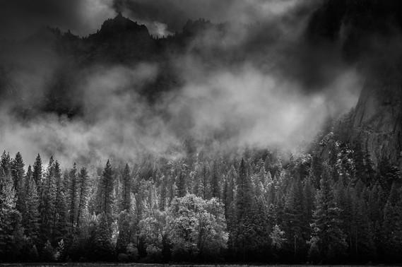 NIPA1617R5_PDI_015_A_MNPC_5_Clearing_Clouds_Yosemite_National_Park_Ian_Lyons.jpg