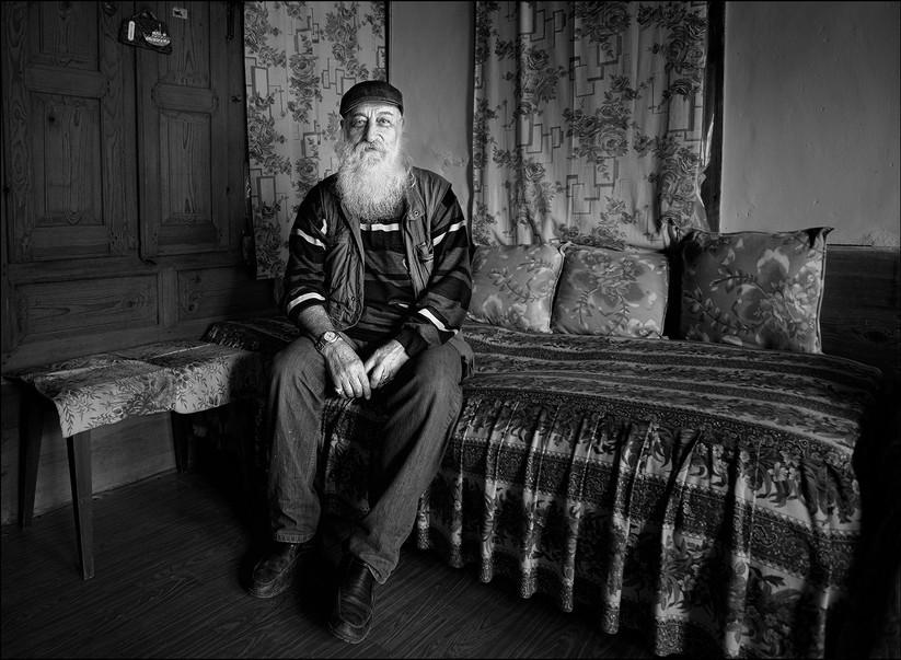 MONO - Erhan Kutsal at Home by Anne Greiner (18 marks)