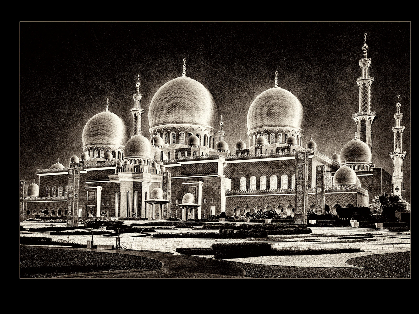 MONO - Mosque by Brian Hennessy (10 marks)