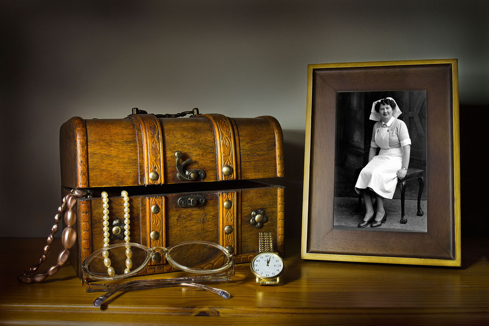 COLOUR - treasure box memories by D Withrow (9 marks)