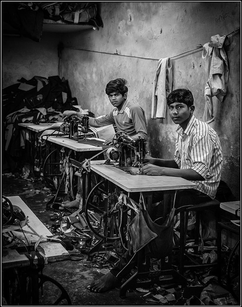 MONO - Sweatshop by Ian O'Neill (18 marks)