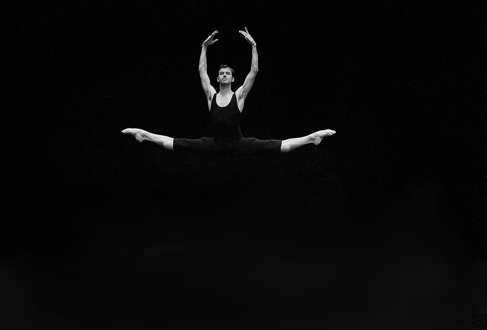 MONO - The Dancer by Paul Irwin (9 marks)
