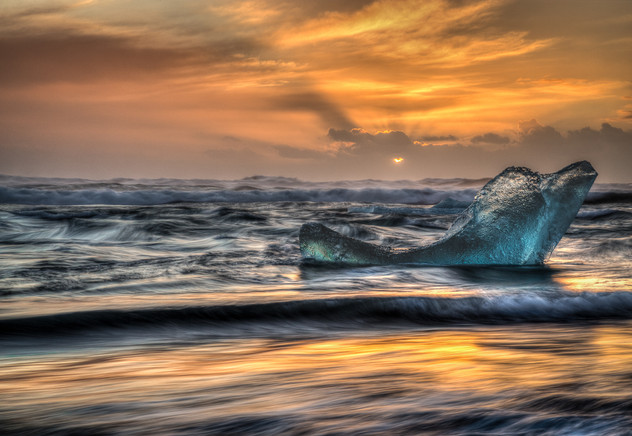 S-1-Vittorio Silvestri_CPA_Glacier Beach Sunrise.jpg