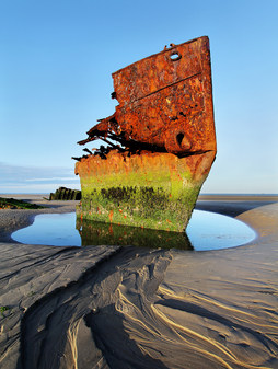 """""""Boat Wreck"""" by Peter Knott"""