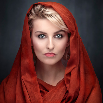 S-1-Amber With Shawl_Hugh Wilkinson_Catchlight.jpg