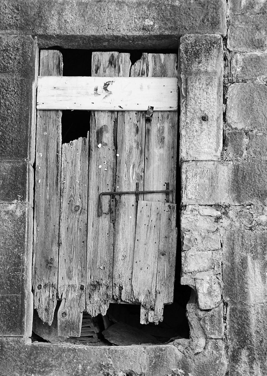 MONO - The Barn Door by Paul Miller (9 marks)