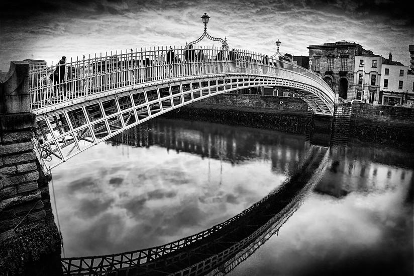 MONO - Ha'penny Bridge by Mary Harkin (9 marks)