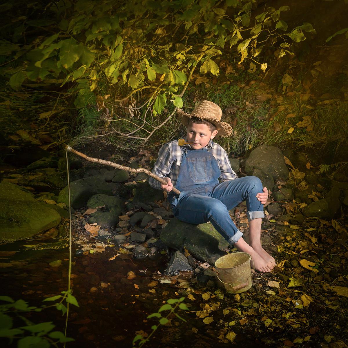 COLOUR - The Adventures of Huckleberry Finn - Mark Twain by Mary Hill (13 marks)