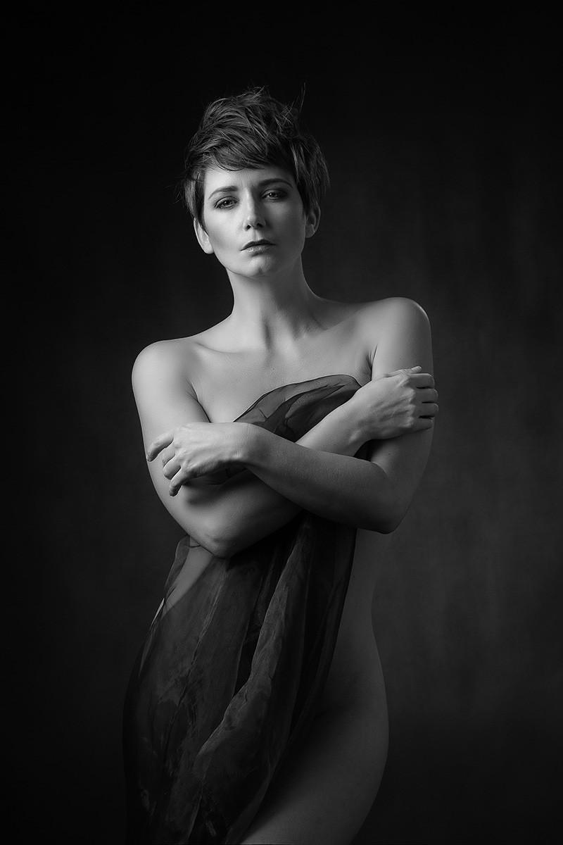 MONO - Stephanie by William Strain (10 marks)