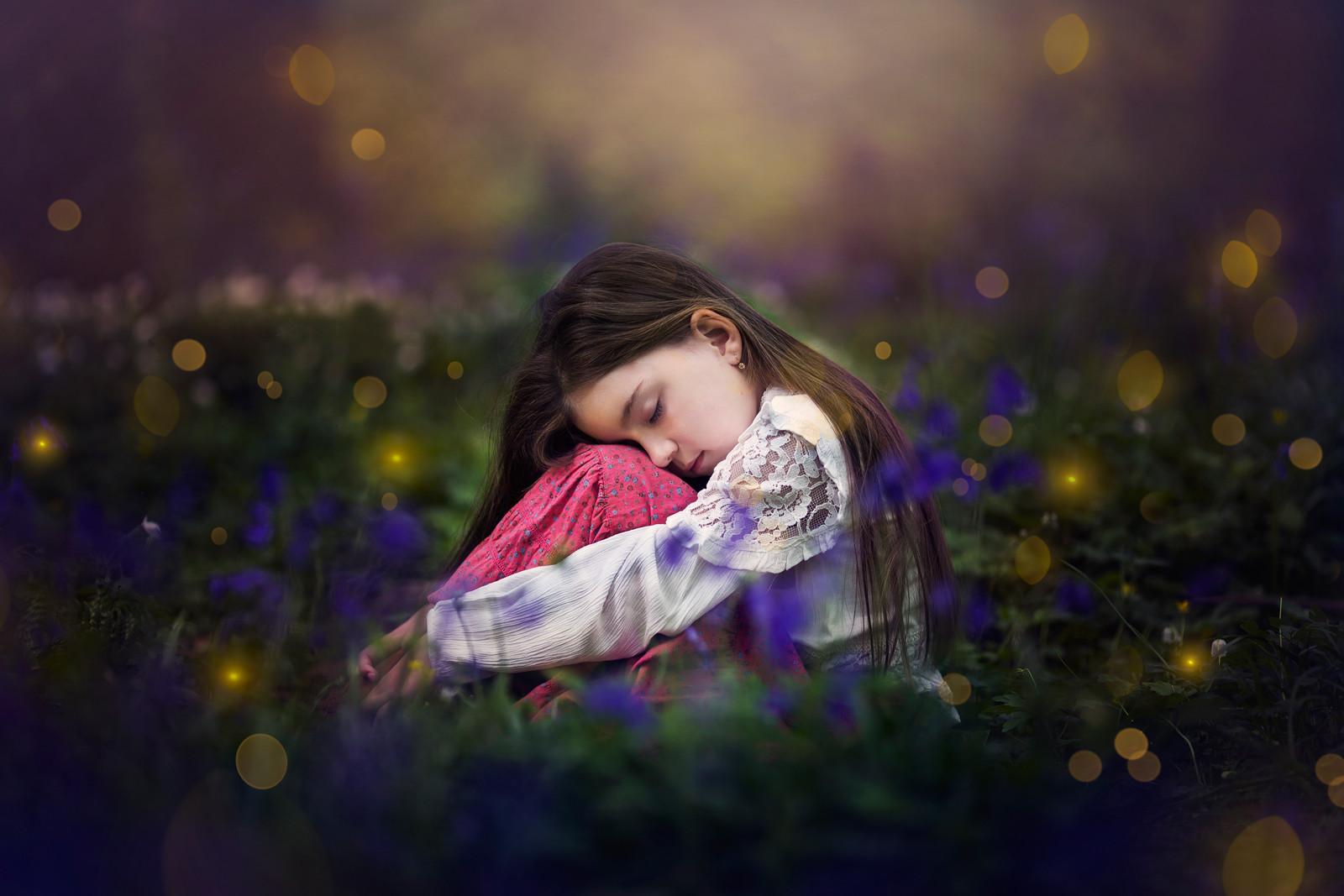 COLOUR - Magic by Evita Browne (10 marks)