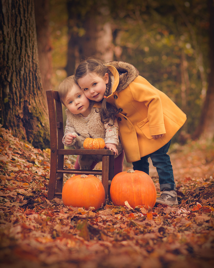 COLOUR - Autumn Smiles by Joanne Diffin (11 marks)
