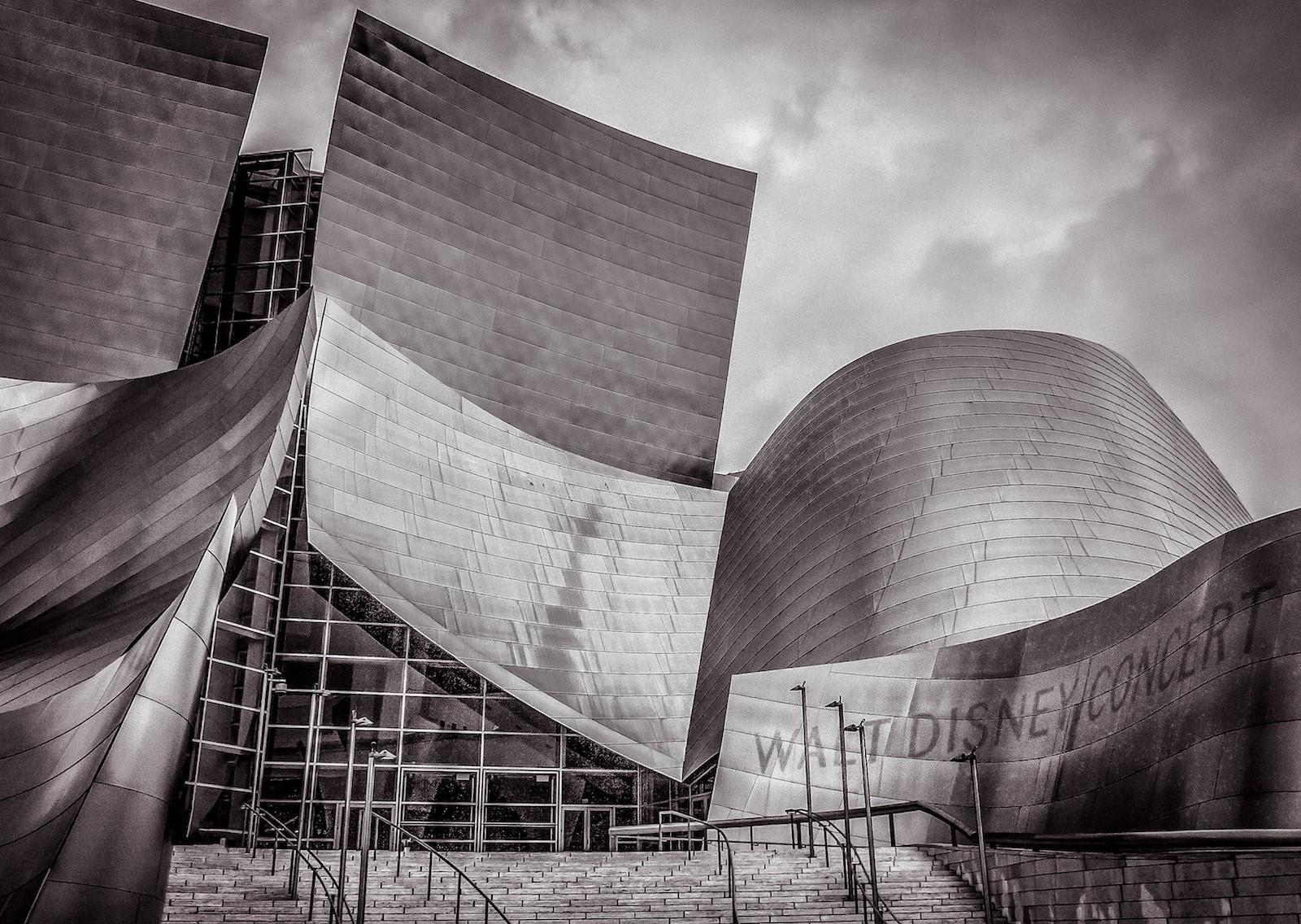 MONO - Walt in LA by Brian Blakely (10 marks)