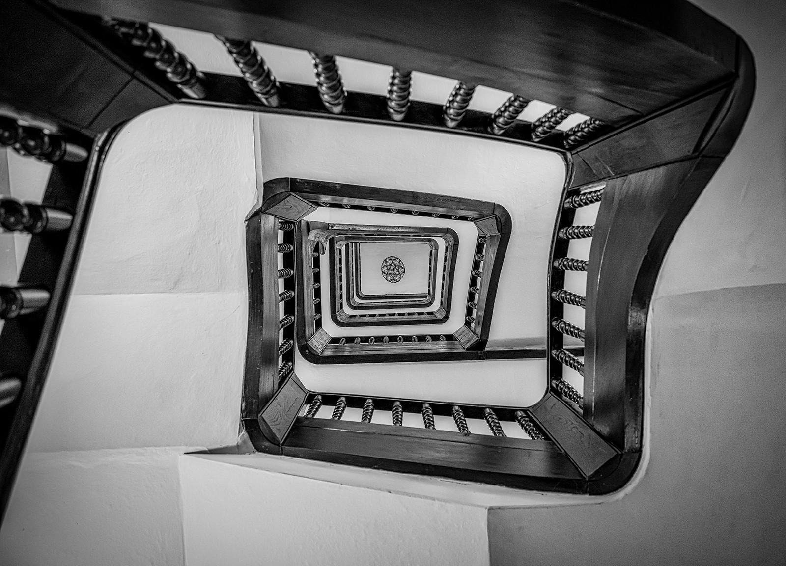 MONO - Ye Olde Spiral Staircase by Steve Haydon (9 marks)