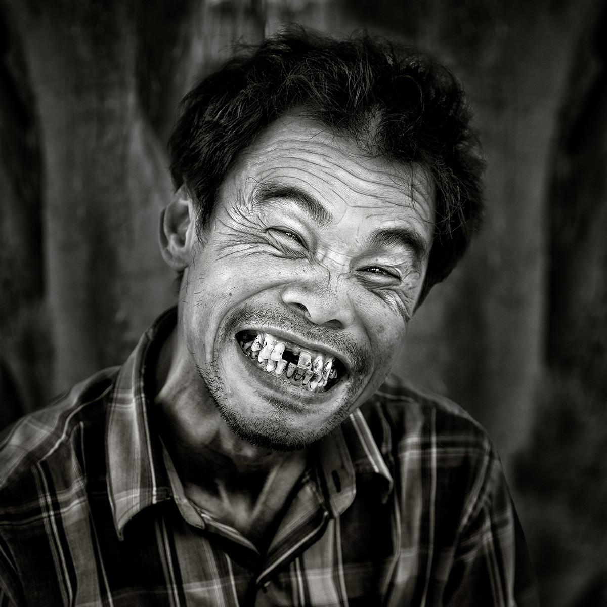 MONO - No More Selfies by Hugh Wilkinson  (10 marks)