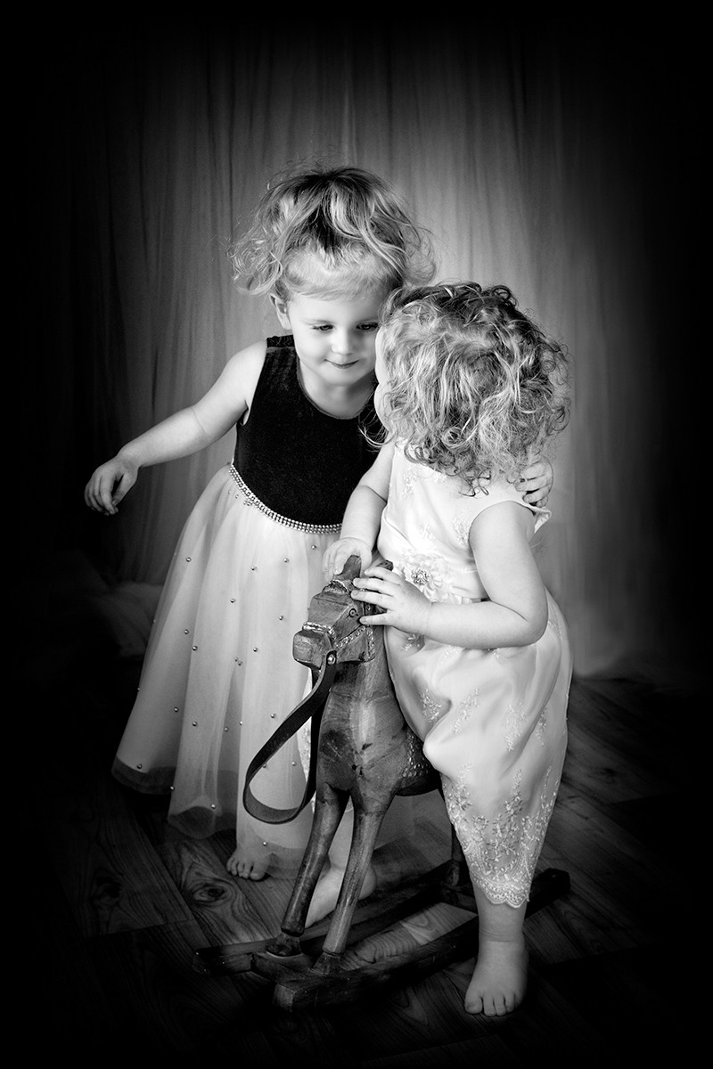 MONO - Best Friends by Mary Hill (11 marks)