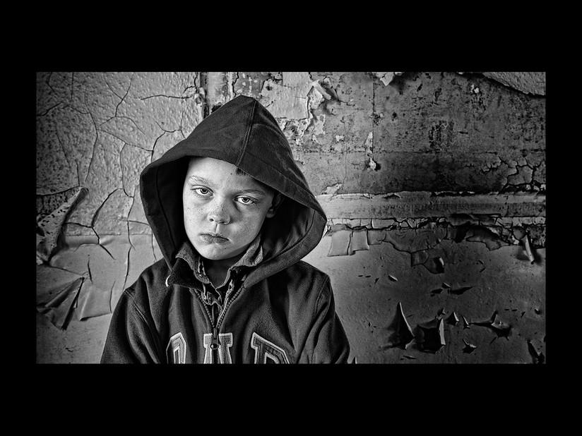 MONO - Cracked and Broken by Ian Findlay (17 marks)