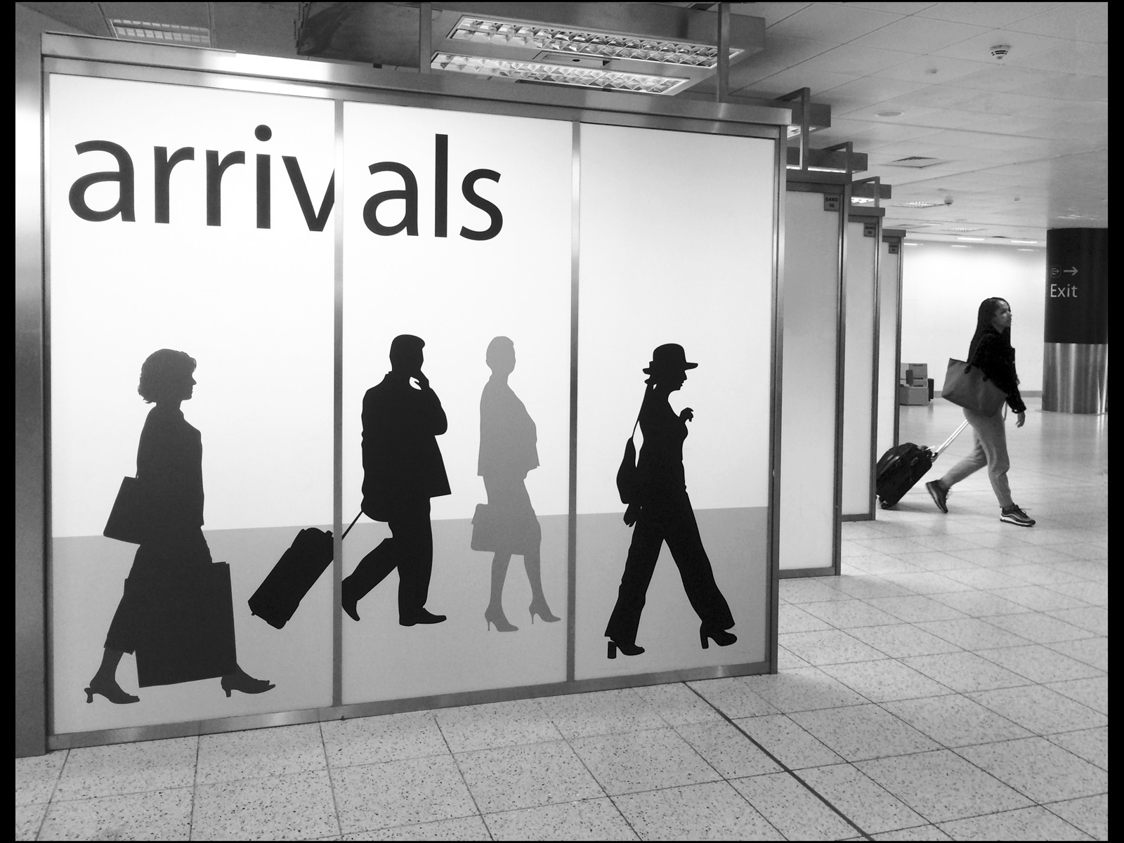 MONO - Arrival by Ruth Nicholls (16 marks)