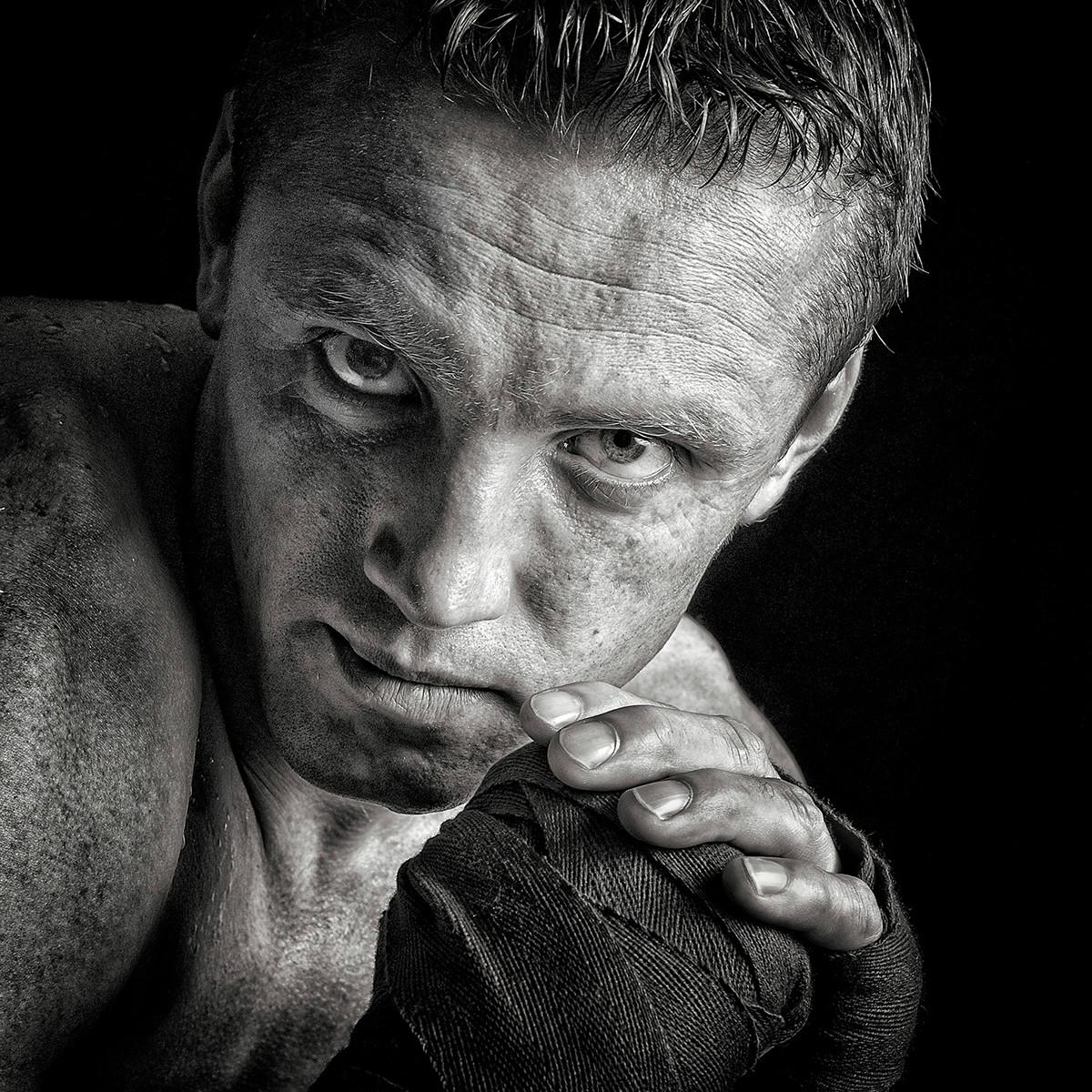 MONO - The Boxer by Vittorio Silvestri (16 marks)