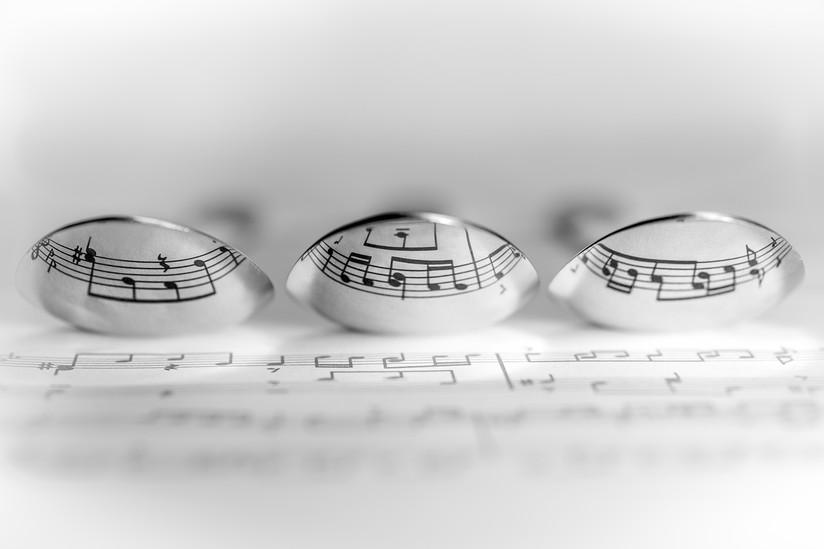 MONO - Musical Spoons by John Davidson (10 marks)