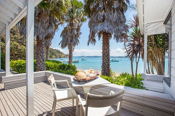 The Beach House - Kawau Island Vivan Bay Suite Decks