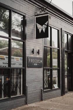 brooke-tim-freedom-hub-wedding-327-800x1