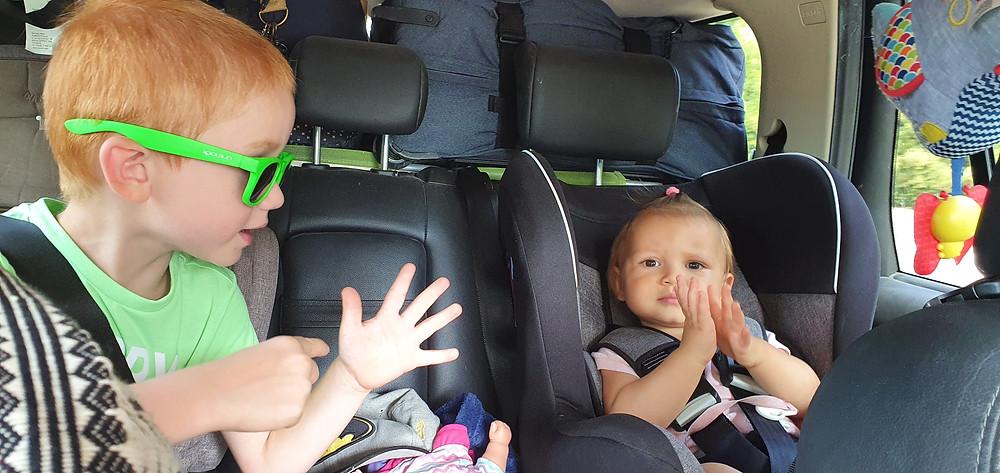 jeu enfant en voiture