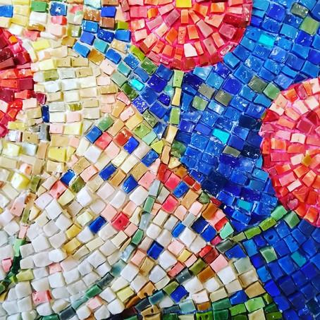 """Una mosaicista diversa e i """"frutti del viaggio ad Indicatore"""""""