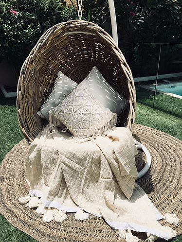 Natural Hand Woven Throw With Natural Tassels