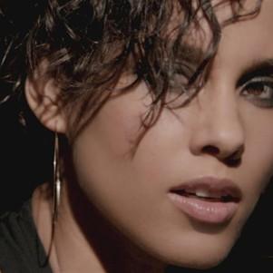 Alicia Keys – Brand New Me
