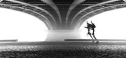 runners under bridge