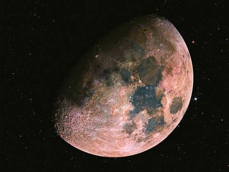 El misterio de la Luna y las lunas del espacio exterior