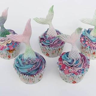 These mermaid cupcakes got so much love